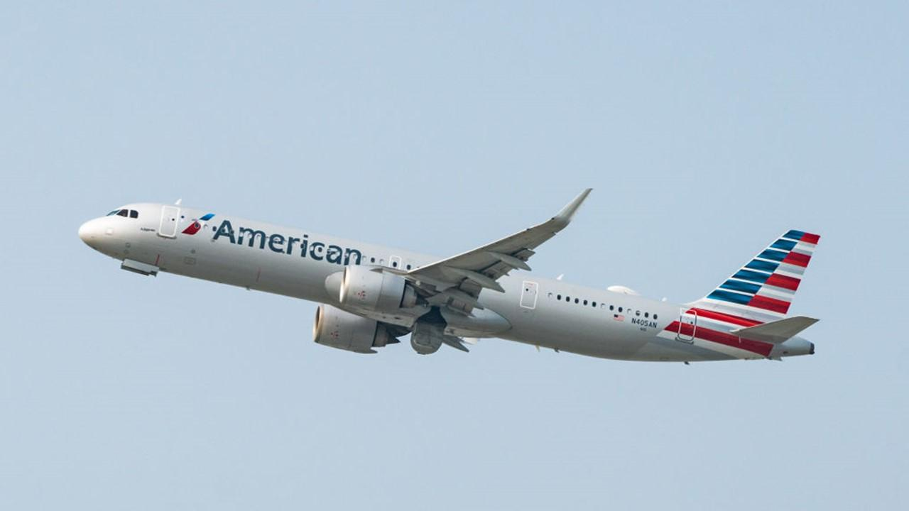 when does american airlines report earnings