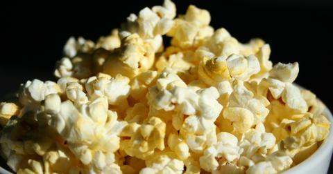 uploads/2019/06/popcorn-707364_1280.jpg