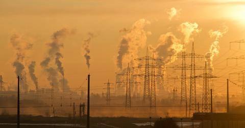 uploads/2019/07/air-pollution-climate-change-dawn-221012-2.jpg