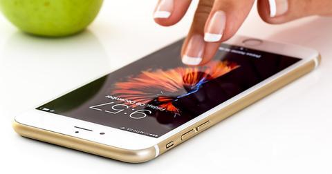 uploads/2018/12/smartphone-cellphone-apple-i-phone-2.jpg