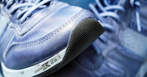 uploads/2018/04/sport-shoe-1470061_1280.jpg