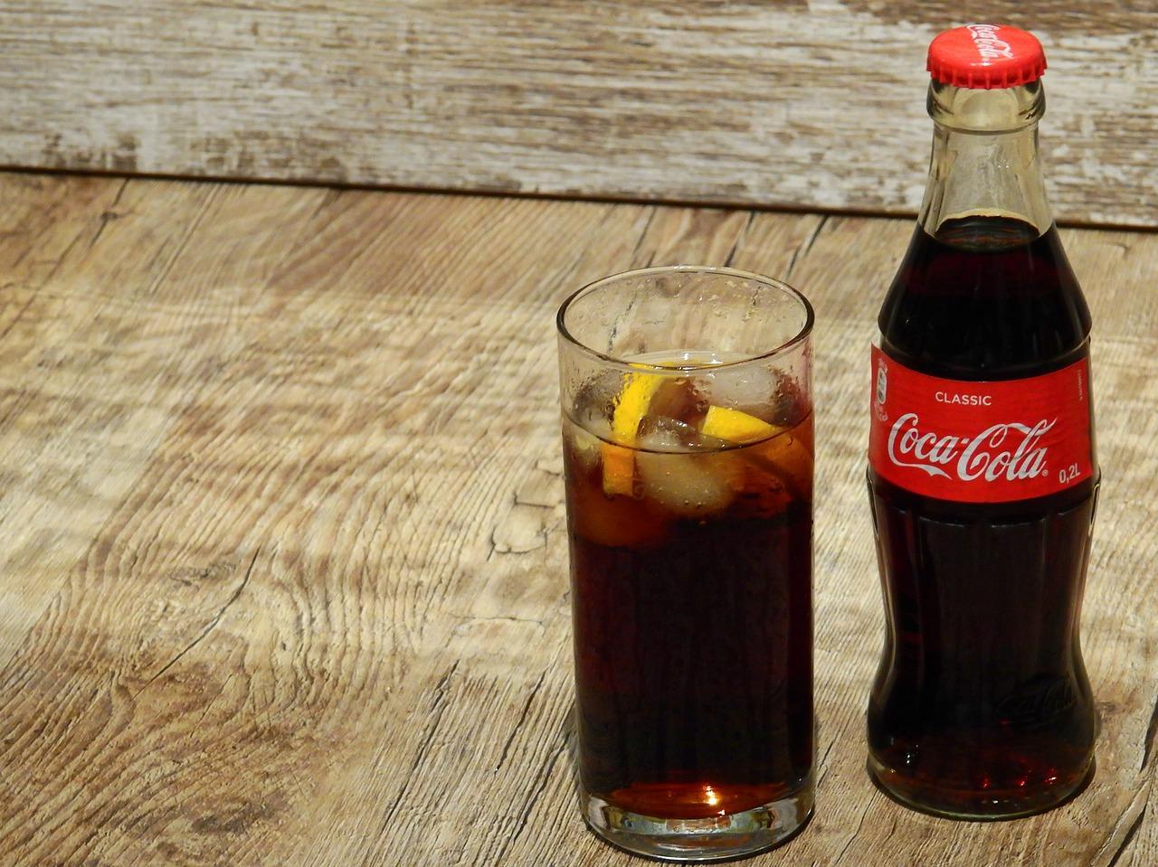 uploads///coca cola _