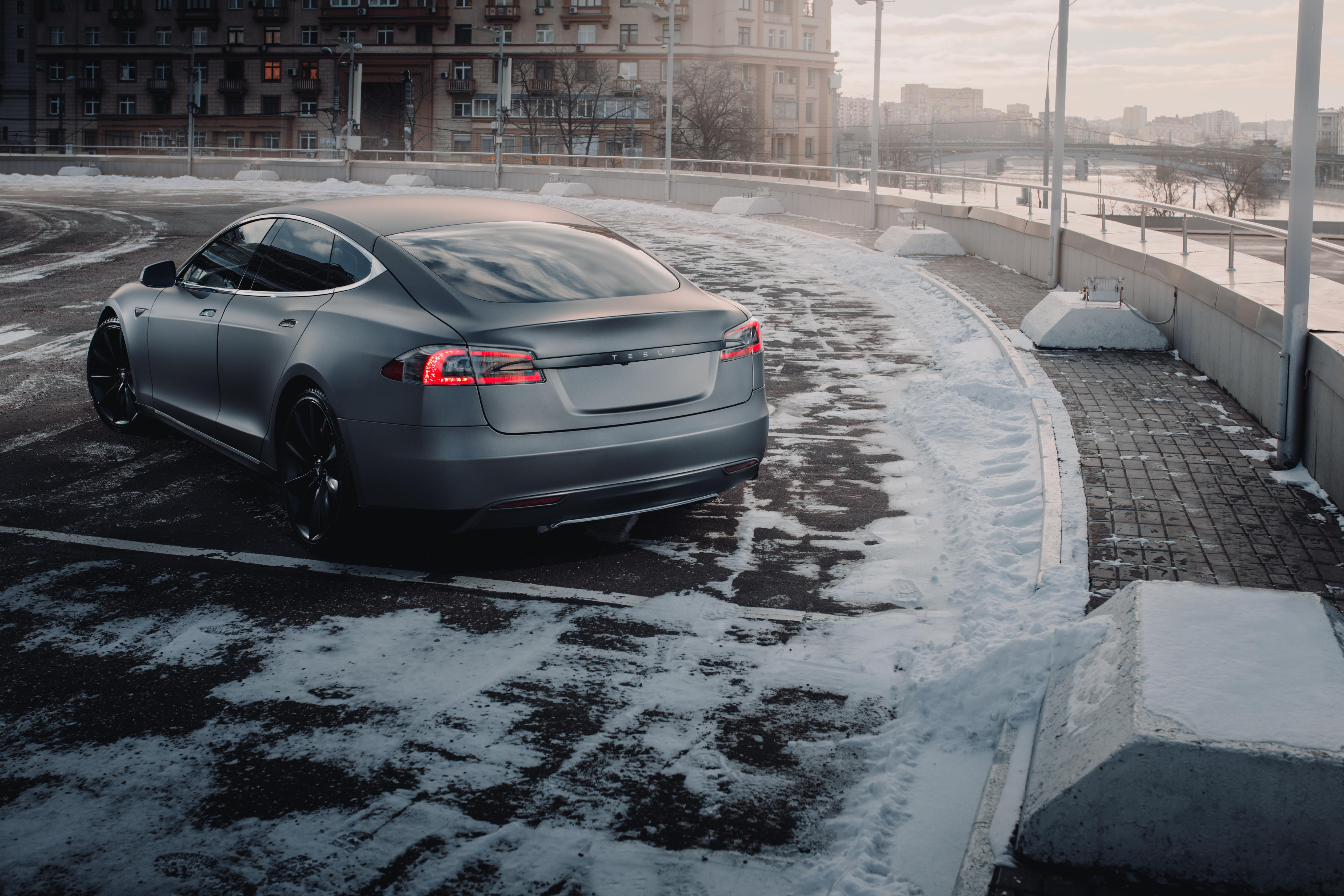 When Will Tesla Push Gasoline Cars into Museums?