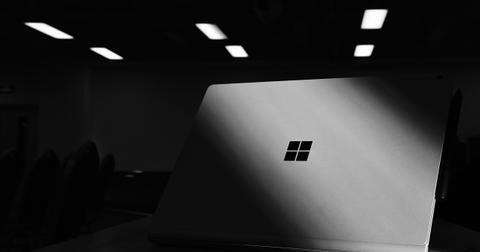 uploads/2019/10/Graphcis-291_Surface-Laptop.jpg