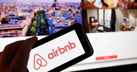 airbnb-ackman-spac-offer-1599151750420.jpg