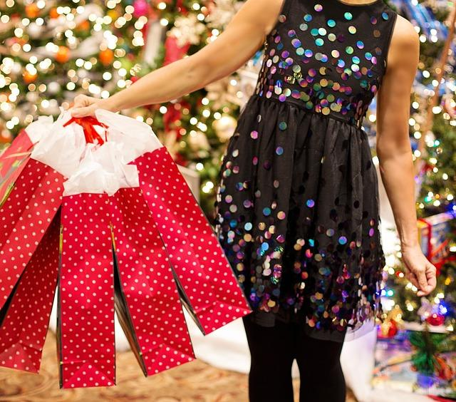 uploads///christmas shopping _