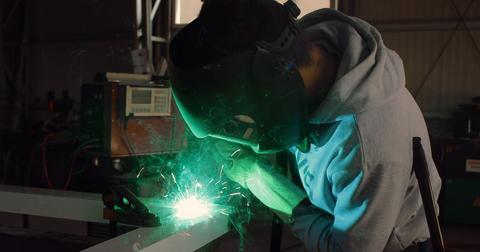 uploads/2018/10/welding-2262745_1280.jpg