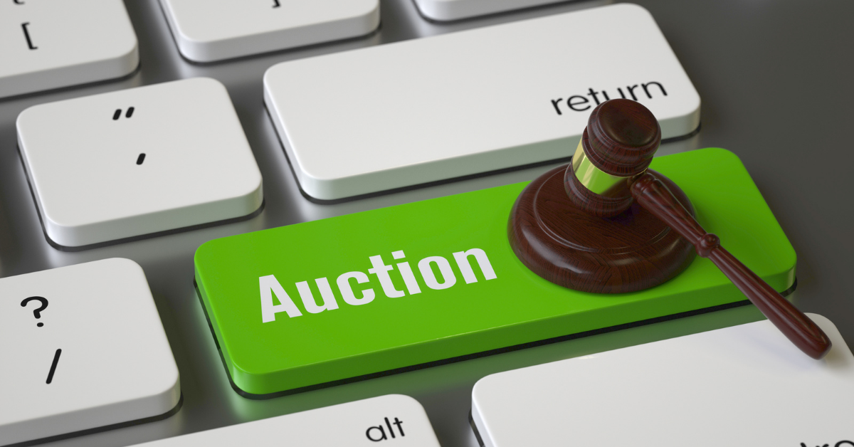 Auction button on a computer keyboard