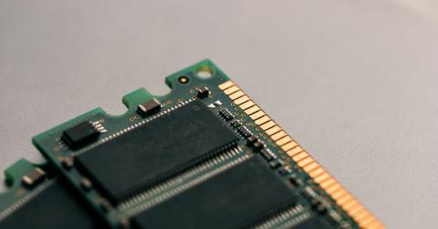 uploads/2019/09/Memory-chip.jpg
