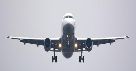 uploads/2019/02/aircraft-2114464_1280.jpg