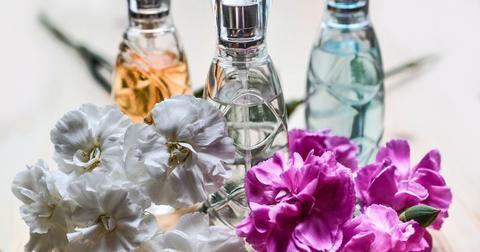 uploads/2018/08/perfume-1433654_1280.jpg