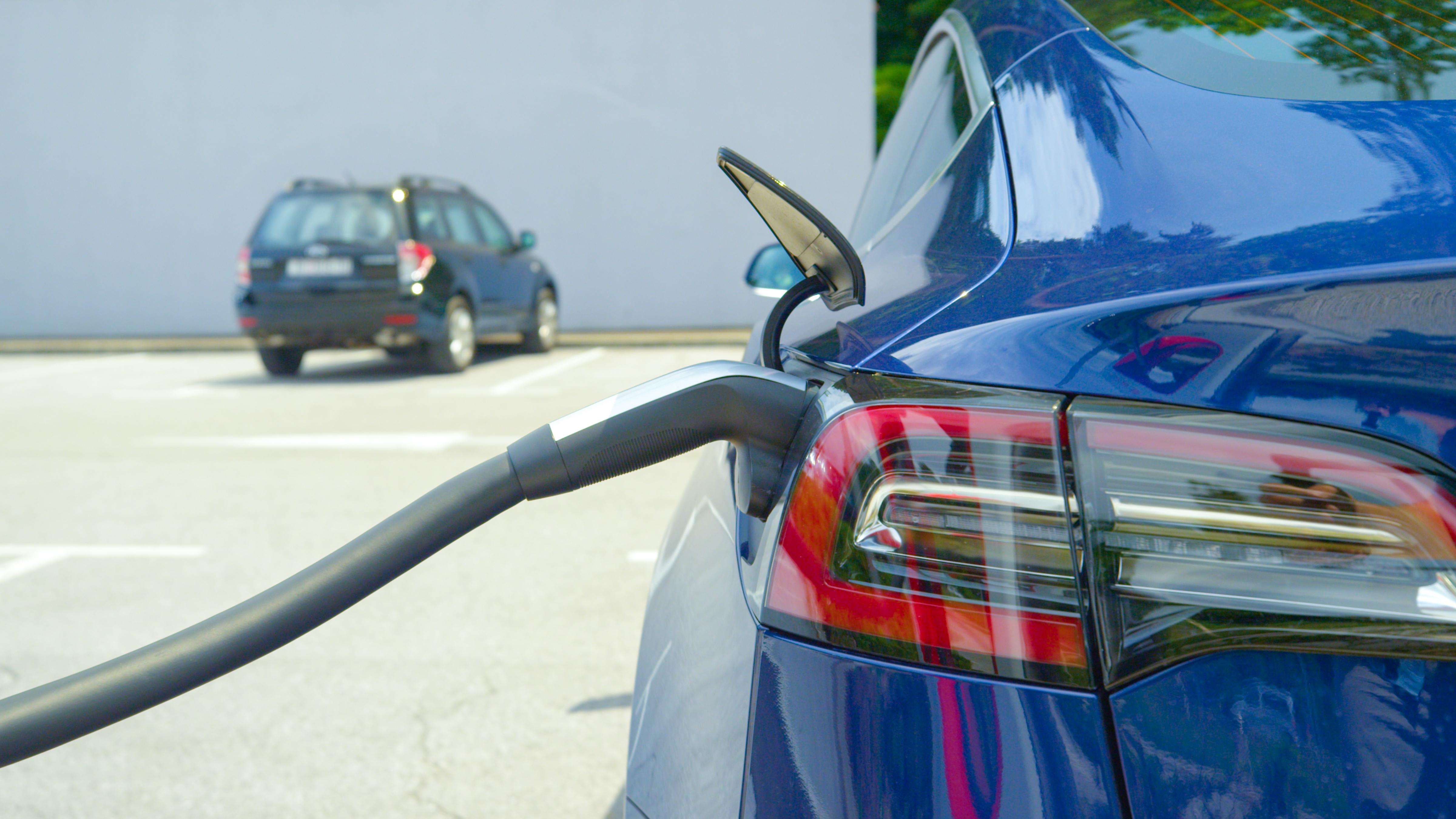 uploads///NIO electric car